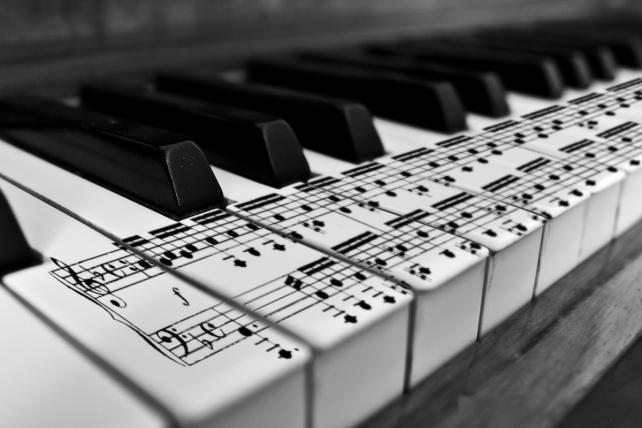 music-music-33355145-3888-2592